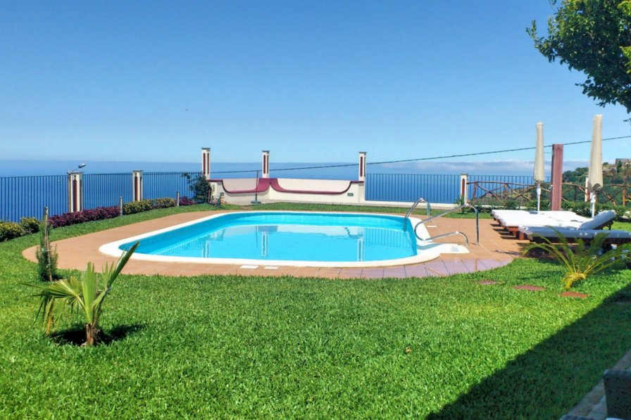 Lombada dos Cedros holiday home to rent