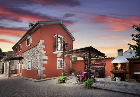 Villa in Sutivanac, Croatia