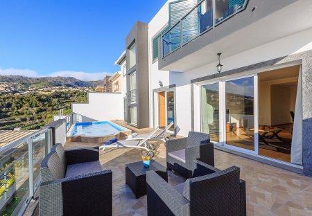 Villa in Lombo do Doutor, Madeira
