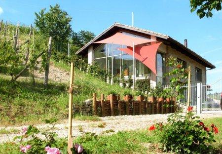 Villa in Serralunga d'Alba, Italy
