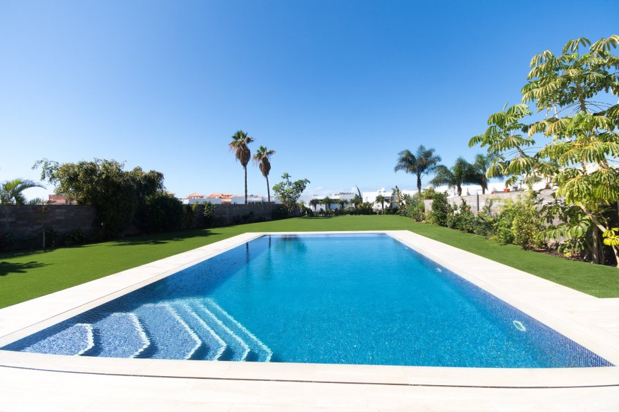 Villa in Spain, Playas del Duque