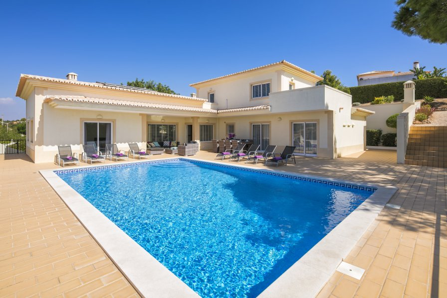 Villa To Rent In Carvoeiro Algarve With Private Pool 286337