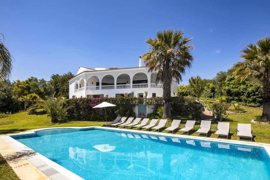Villa in Portugal, Poço Barreto
