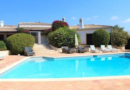 Villa in Esteveira, Algarve