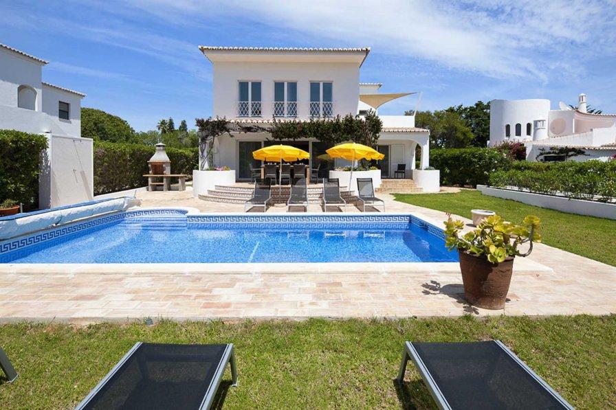 Villa in Portugal, Alfanzina