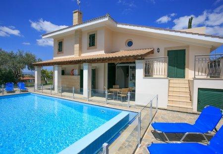 Villa in Steni, Cyprus