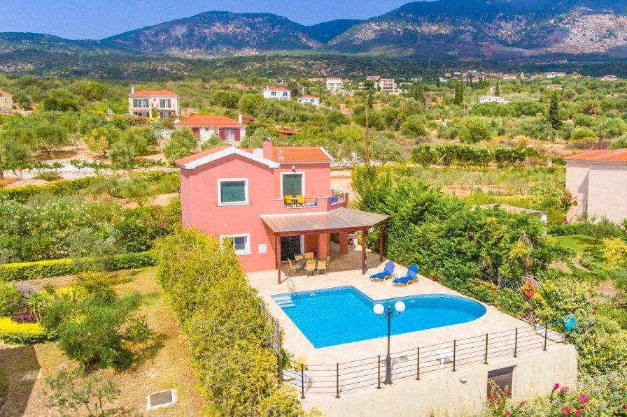 Villa in Greece, Trapezaki