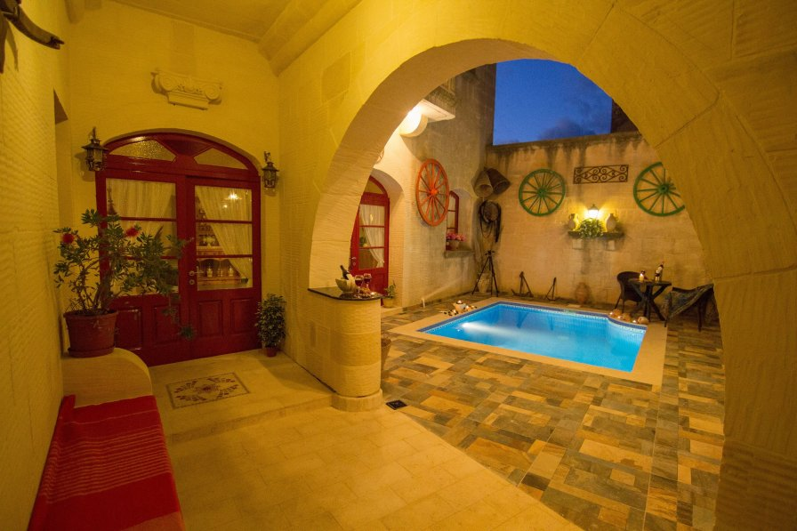 Ta' Marie Farmhouse , self catering 3 bedroom villa with pool