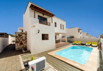 4 bedroom Villa for rent in Teguise