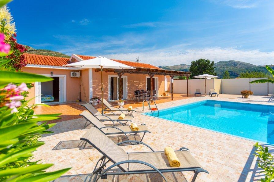 Owners abroad Villa Peach