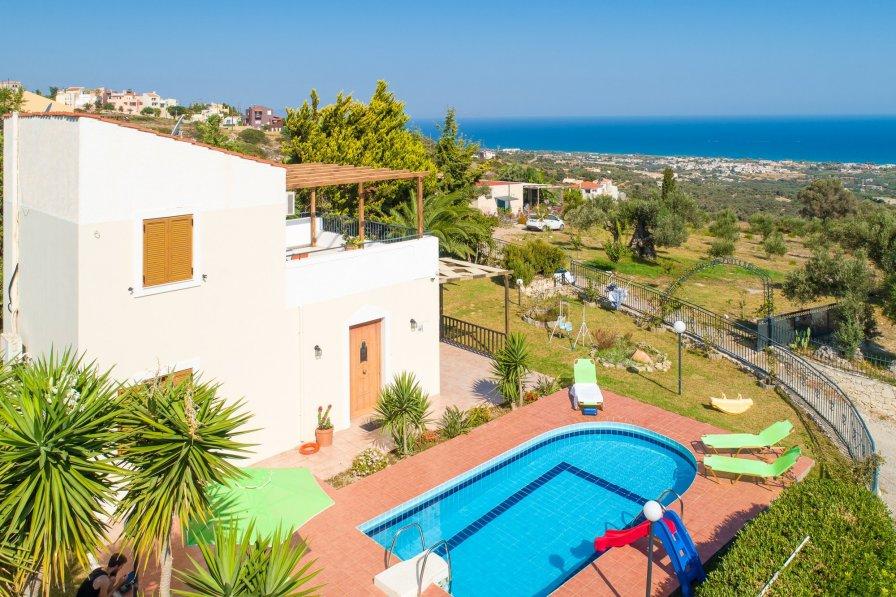 Villa in Greece, Maroulas