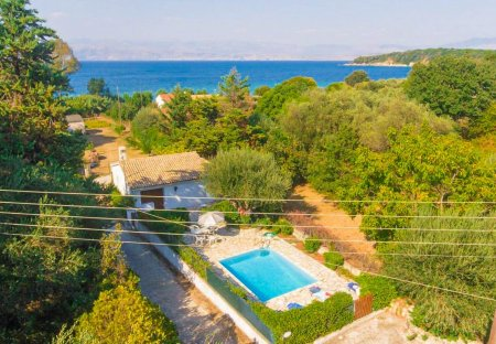 Villa in Avlaki, Corfu