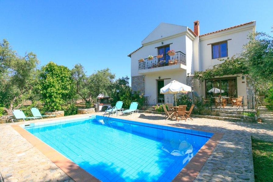 Villa in Greece, Tavronitis