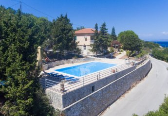 3 bedroom Villa for rent in Paxos