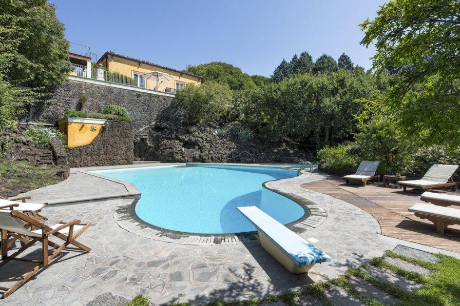 Villa in Italy, Ragalna