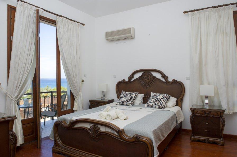 Owners abroad Villa Minoas