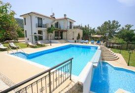 Villa in Argaka, Cyprus