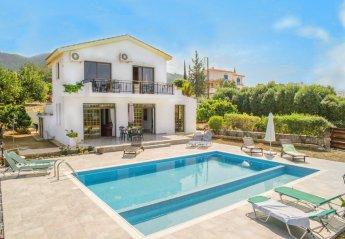 4 bedroom Villa for rent in Argaka