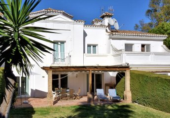 4 bedroom Villa for rent in Sitio de Calahonda