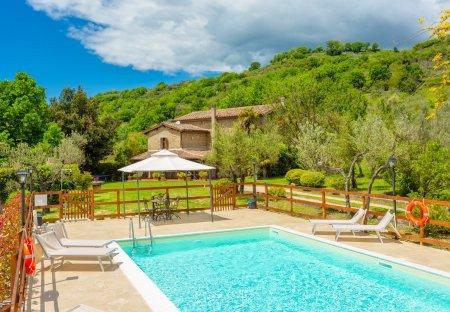 Villa in Toffia, Italy
