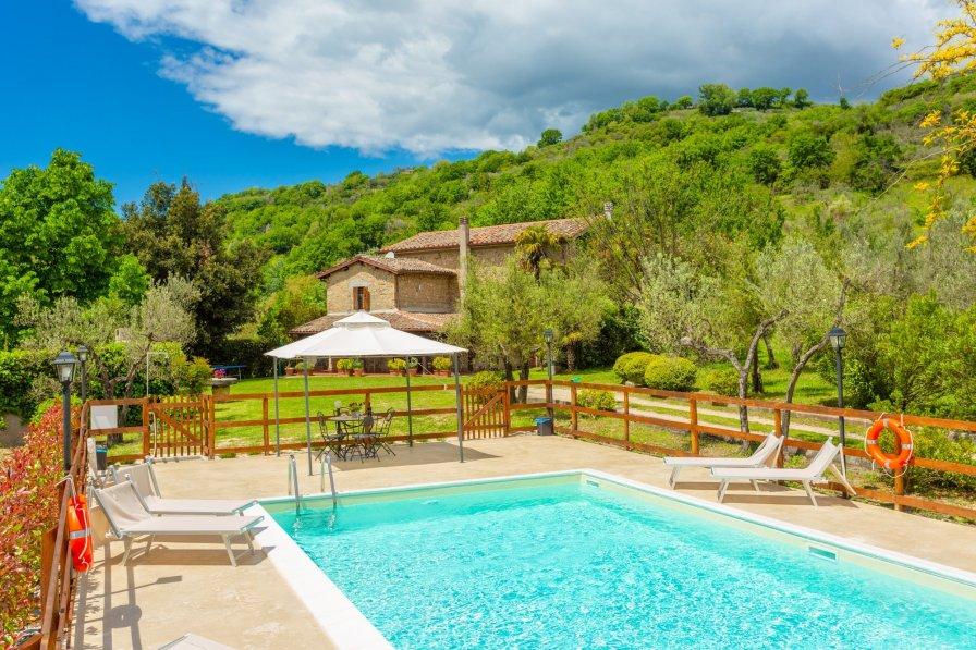 Villa in Italy, Toffia