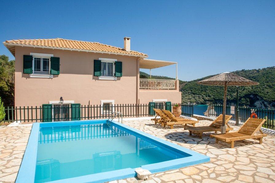 Villa in Greece, Desimi