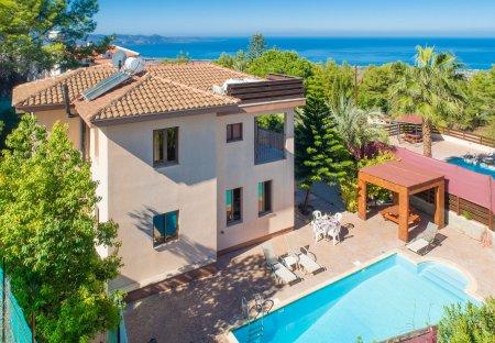 Villa in Kynousa, Cyprus