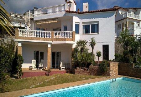 Villa in Benalmádena, Spain