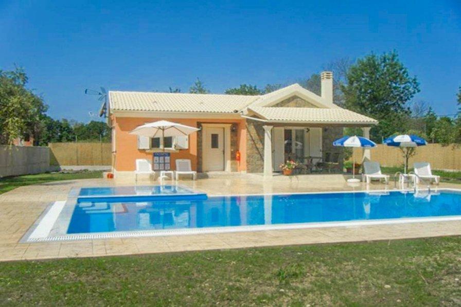 Villa in Greece, Roda
