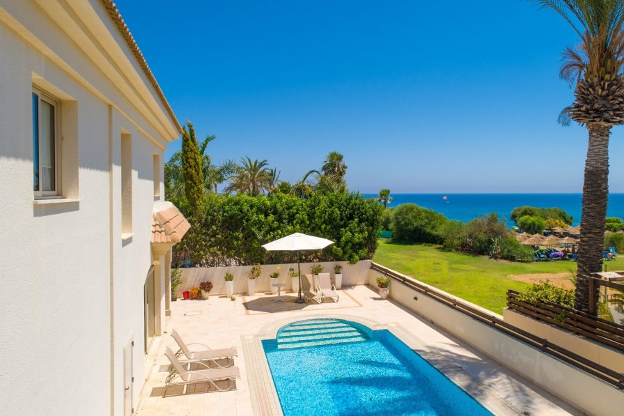 Owners abroad Villa Reina