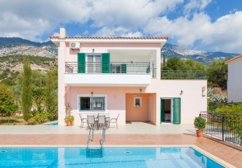 3 bedroom Villa for rent in Trapezaki