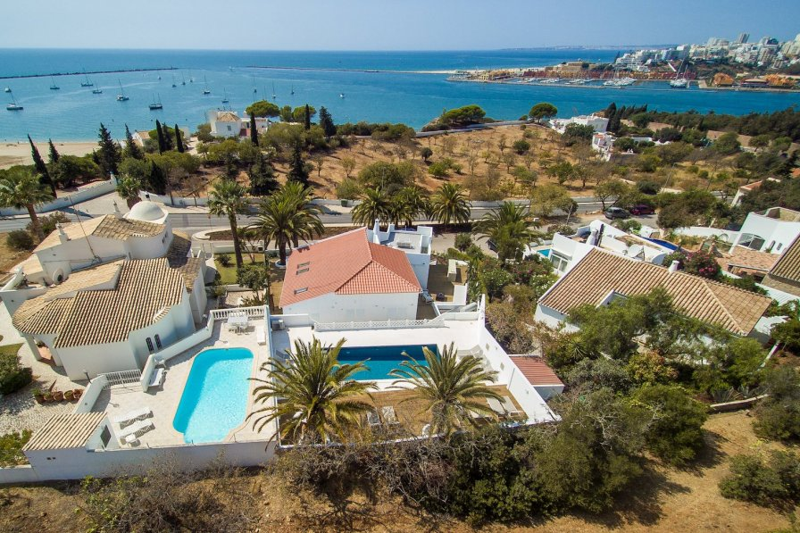 Villa To Rent In Ferragudo Algarve With Private Pool 287684