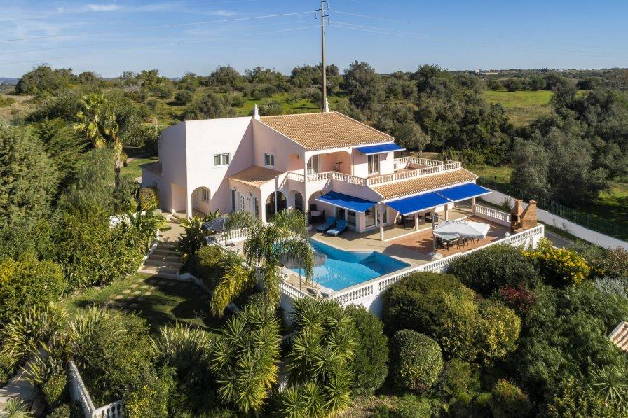 Villa in Portugal, Estômbar