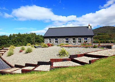 Cottage in Ireland, Kenmare: External View from Bun Cill Atha