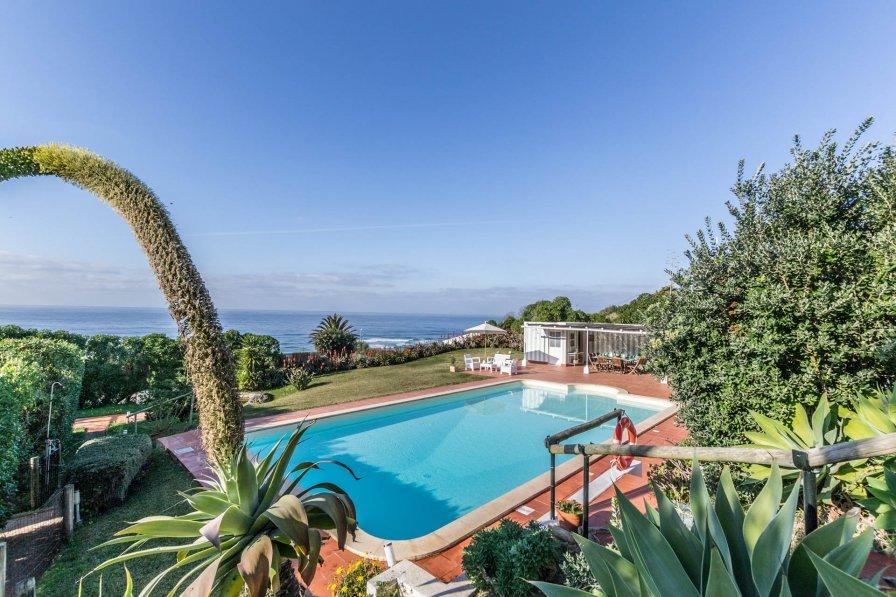 Villa in Portugal, Praia Grande