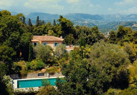 Villa in Villeneuve-Loubet Village, the South of France