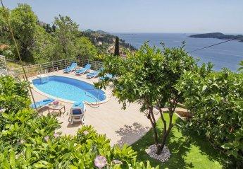 5 bedroom Villa for rent in Orasac