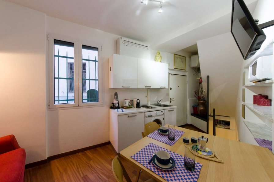 Studio apartment in Italy, Genoa