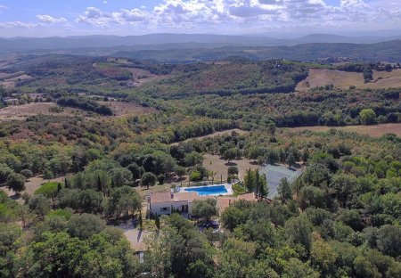 Country House in Preixan, the South of France
