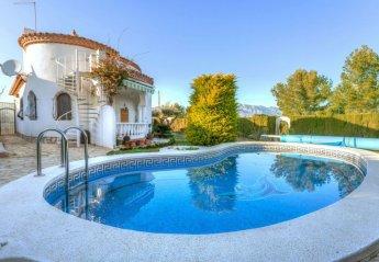 2 bedroom Villa for rent in Tres Calas
