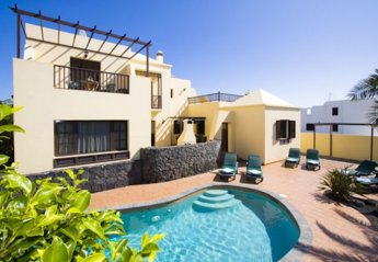 0 bedroom Villa for rent in Costa Teguise