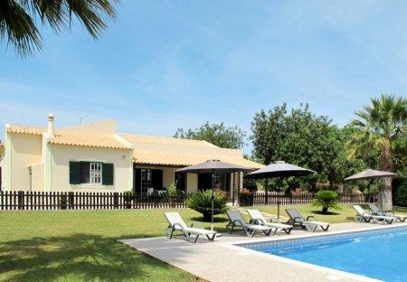 Villa in Paderne, Algarve