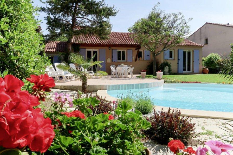 Villa in France, Centre Ville-Peripherie