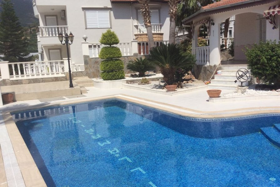Beautiful family villa with private pool.