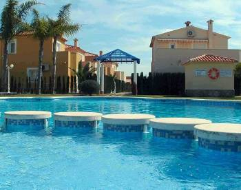 Villa in Spain, Oliva Nova: Pool Area with kiddies section