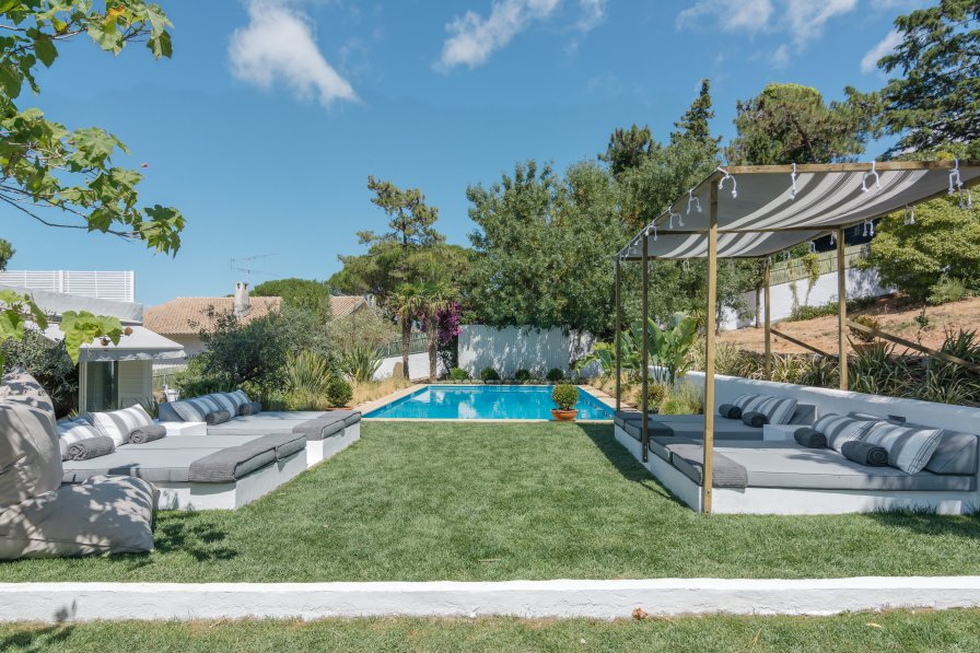 Villa To Rent In Bicesse Lisbon Metropolitan Area With
