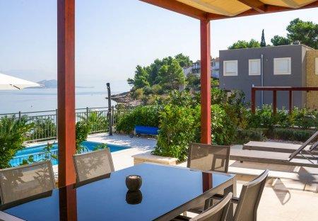 Apartment in Slatine, Croatia