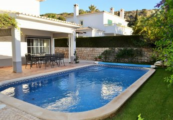 4 bedroom Villa for rent in Praia da Luz