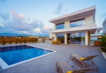 5 bedroom House for rent in Coral Bay