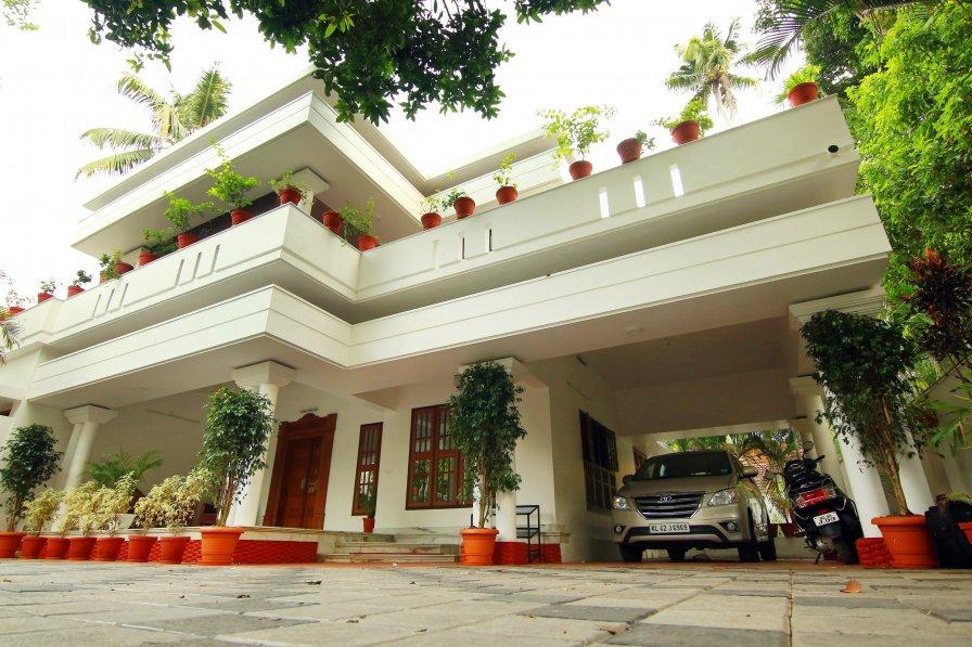 Rak Luxury Villa - Enjoy the Beauty of Kerala Village